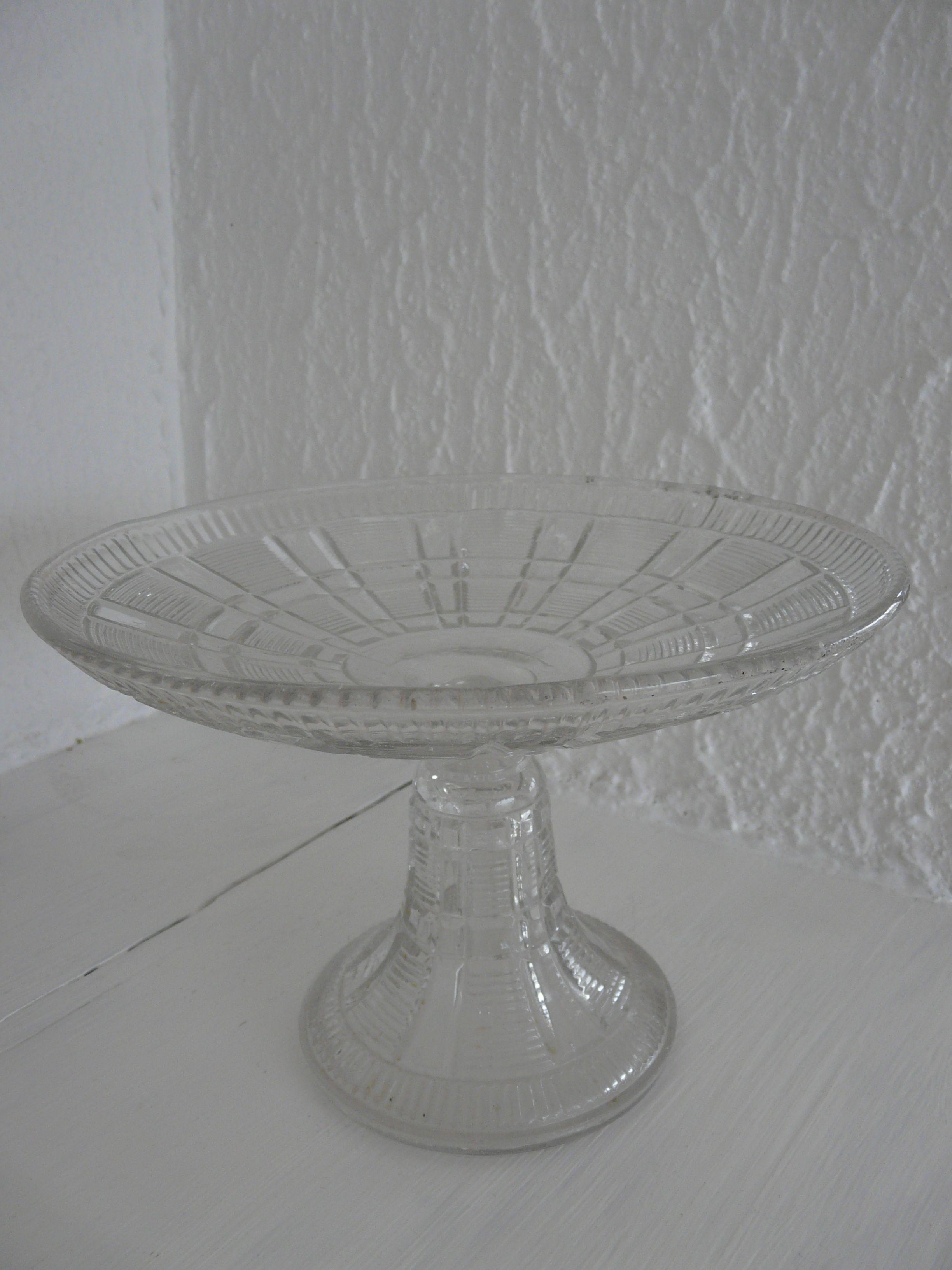 coupe verre blanc ma brocante g pinterest coupe verre et verre. Black Bedroom Furniture Sets. Home Design Ideas