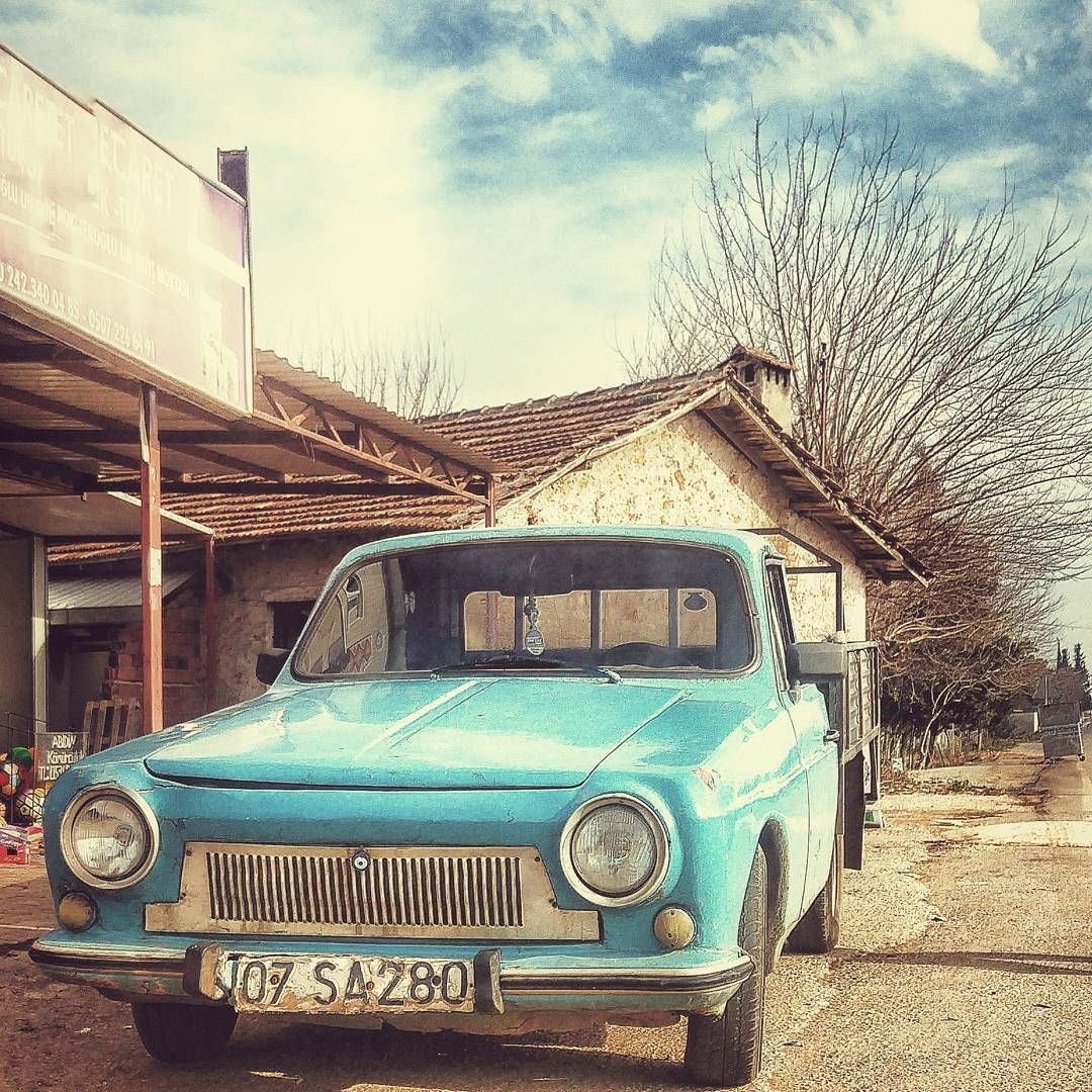 #autos_of_our_world #dirt_merchant_autos #exploring_shotz #grimelords_clunkers #g_s_i #it_tuesday #trb_autozone #trailblazers_rurex #urbex_apocalypse #urbex_lady #oldcars#anadol#retrocar#cars_abandoned #abandonedcars#everything_transport_blue#savethedecay