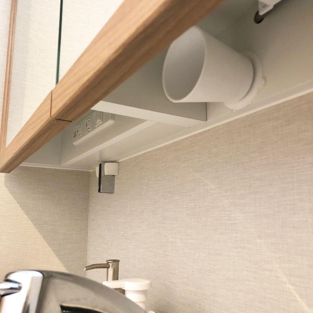 画像に含まれている可能性があるもの 室内 タカラスタンダード 洗面台 収納 リクシル 洗面台