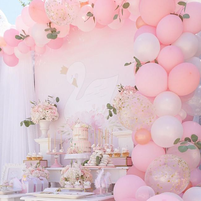 Pretty Swan Themed Birthday Party Pretty My Party Party Ideas Dessert Table Birthday Girl Swan Baby Shower Baby Shower Balloons