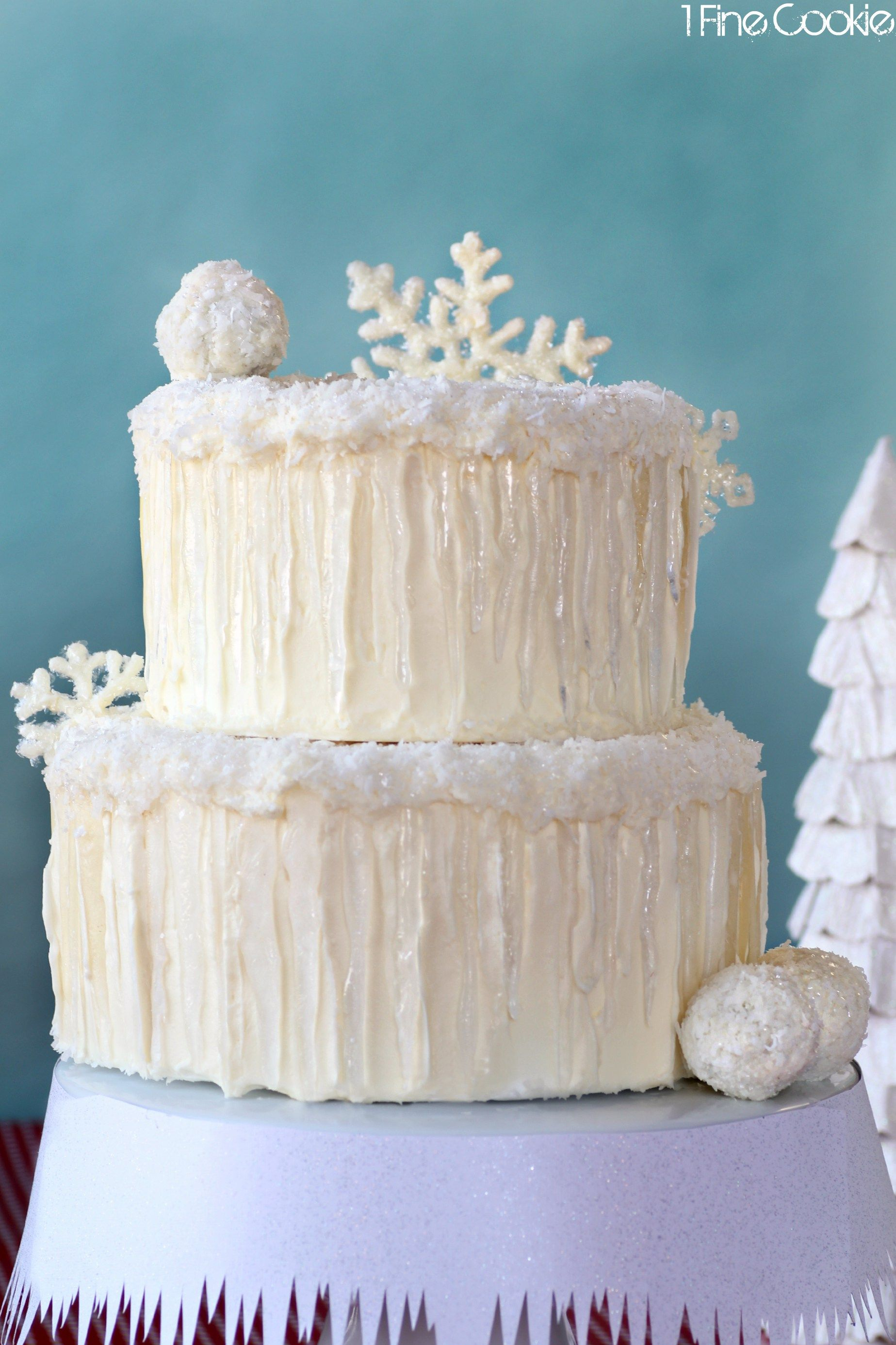 Snowflake Chocolate Cake by 1 Fine Cookie, snow, covered, cake ...