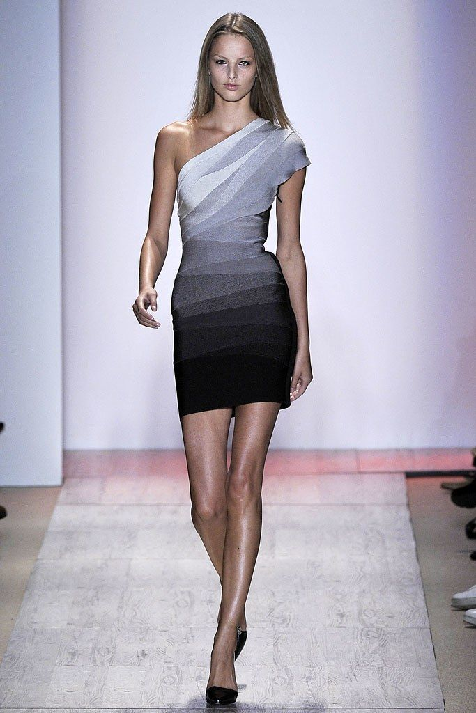 97d2908d9eb0 Hervé Léger by Max Azria Spring 2009 Ready-to-Wear Fashion Show in ...