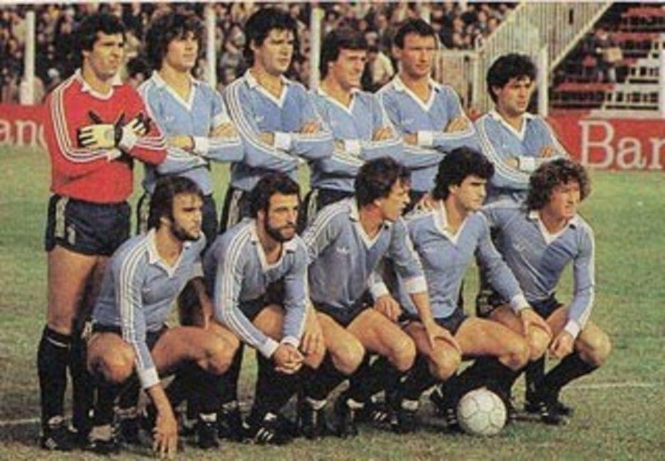 Club Atletico Temperley 1983 Equipo Que Aquel 29 De Mayo Visito A Estudiantes De La Plata Arriba Hector Casse H Equipo De Futbol Futbol Argentino Futbol