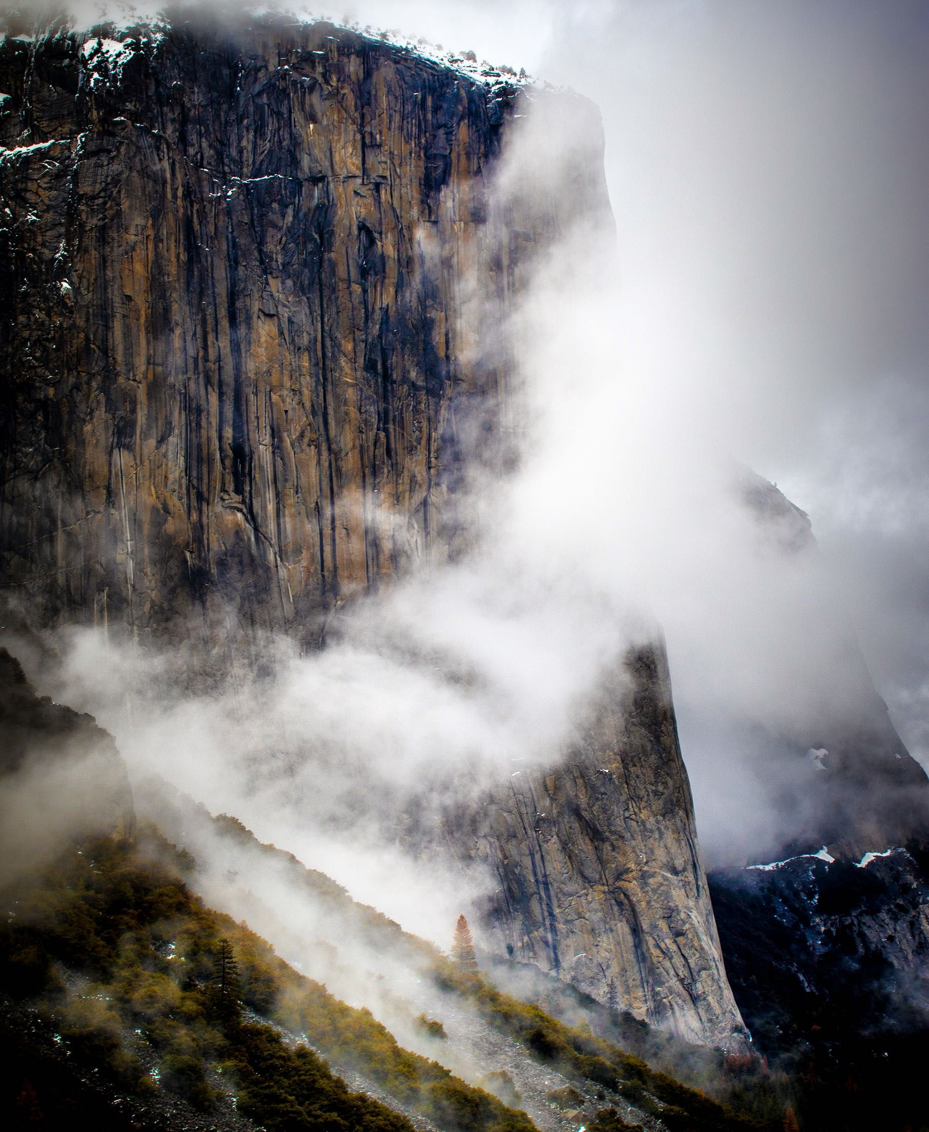 El capitan in the clouds yosemite national park oc