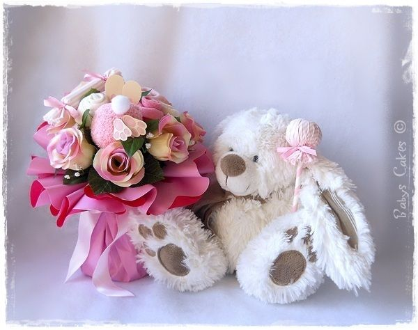 c2ad266b09ad0 Cadeau de naissance fille bouquet de chaussettes