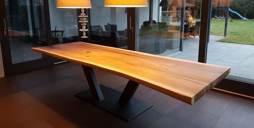 Suar Tische Unik Living Baumstammtische Nach Mass Esszimmertisch Holz Esstisch Massivholz Esstisch