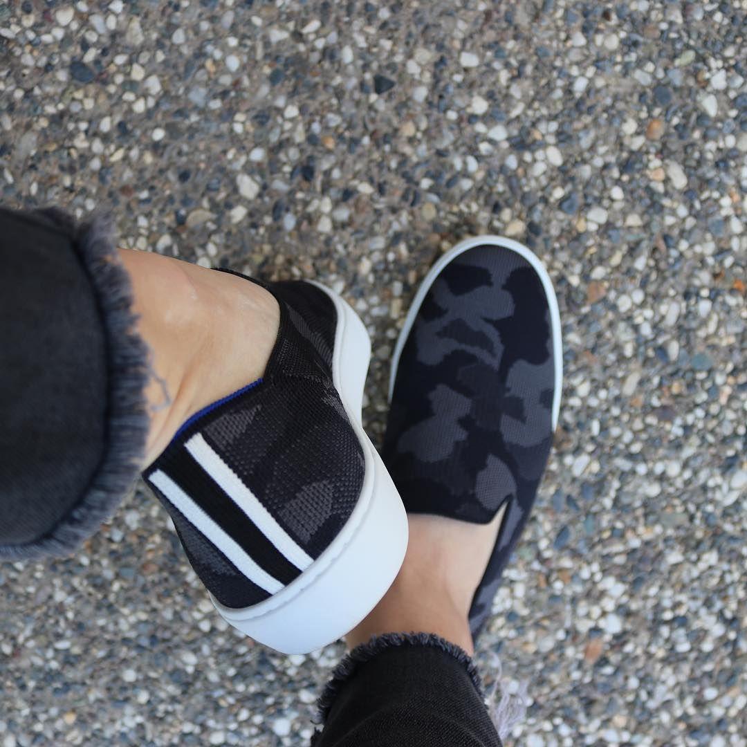 Sneaker outfits women, Camo shoes