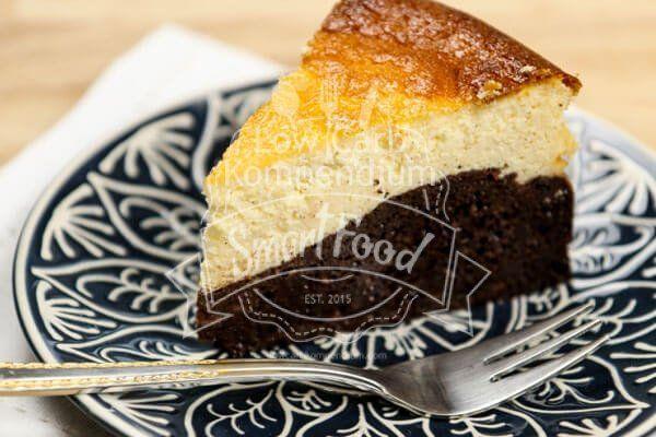 Ein Stück frisch gebackener Schokoladen-Käsekuchen – #gebacken #Käsekuchen #Schokolade #F …