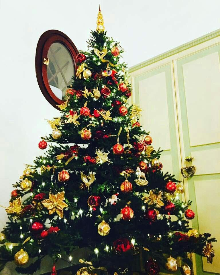 Pin By Toto Shao On كرسمس Holiday Decor Decor Christmas Tree