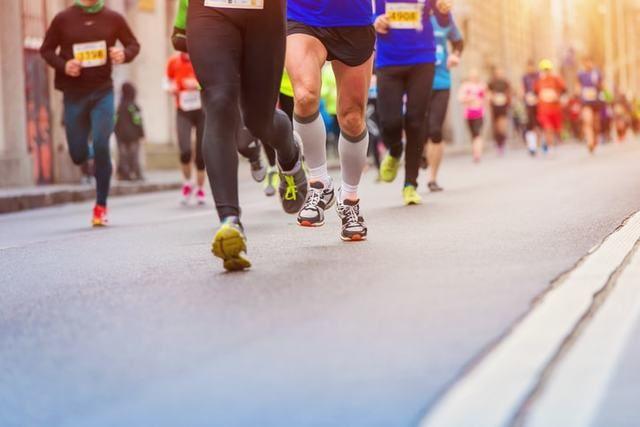 10kmマラソンの平均タイムと初心者の目安となるタイム - RUNNAL[ランナル]