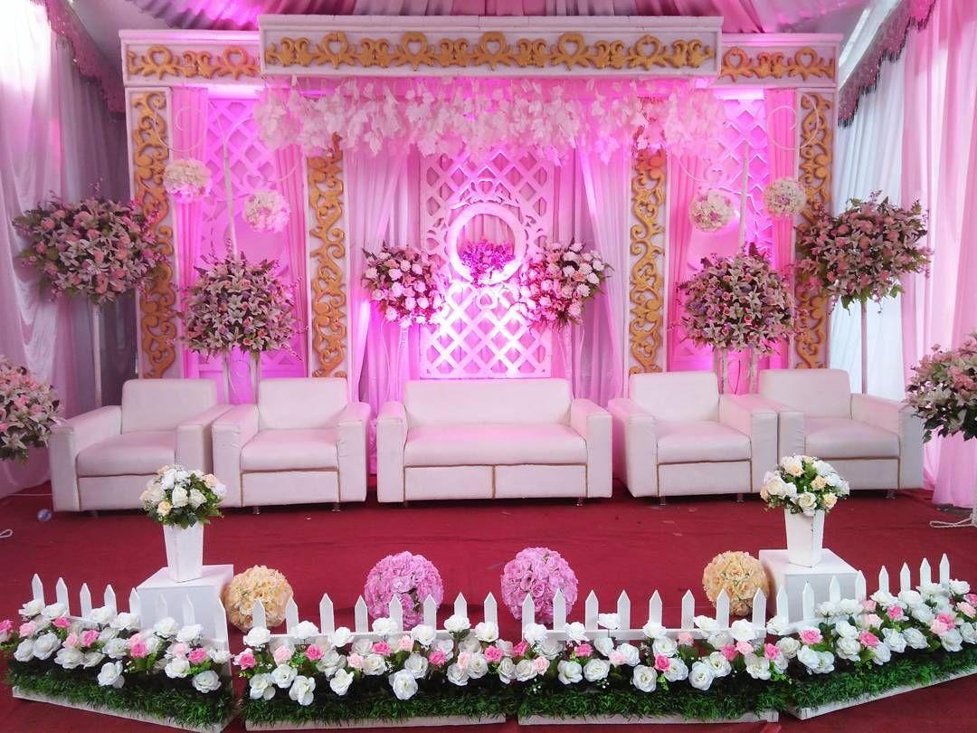 Contoh Dekorasi Pernikahan Sederhana Terbaru Romantis Di