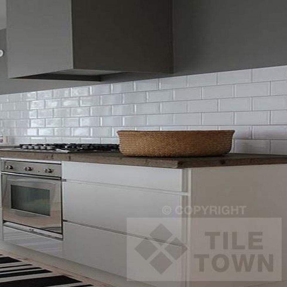 Quarndon White Kitchen Wall This White Coloured Extra Large Metro New Kitchen Wall Tile Design Ideas