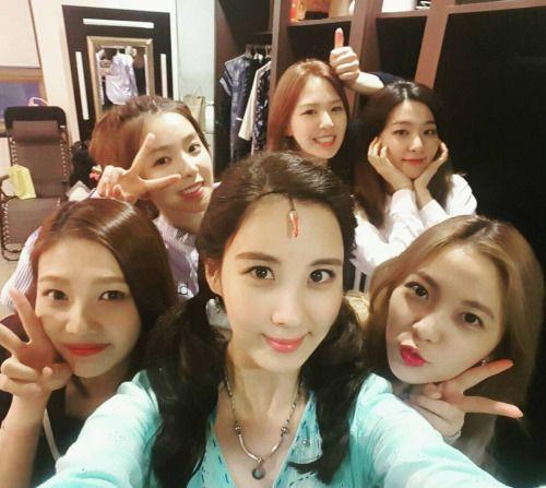 """""""Seojuhyun_s: 상큼이 들 사이 에서 행복한 서피 ~~  넘 고마워 ~~ 상큼 이 레벨 이 들 """""""