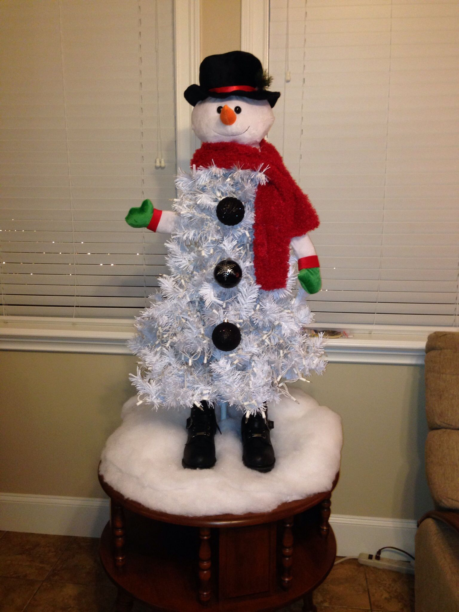 Snowman Tree … Holiday christmas tree, Christmas tree