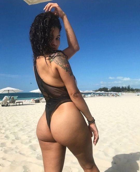 kaitlyn-naked-booty-english-milf-milf