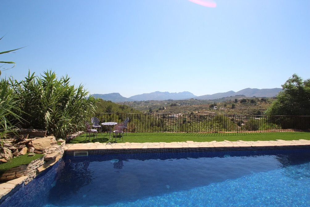 This villa has a last minute offer 15 off, if your stay