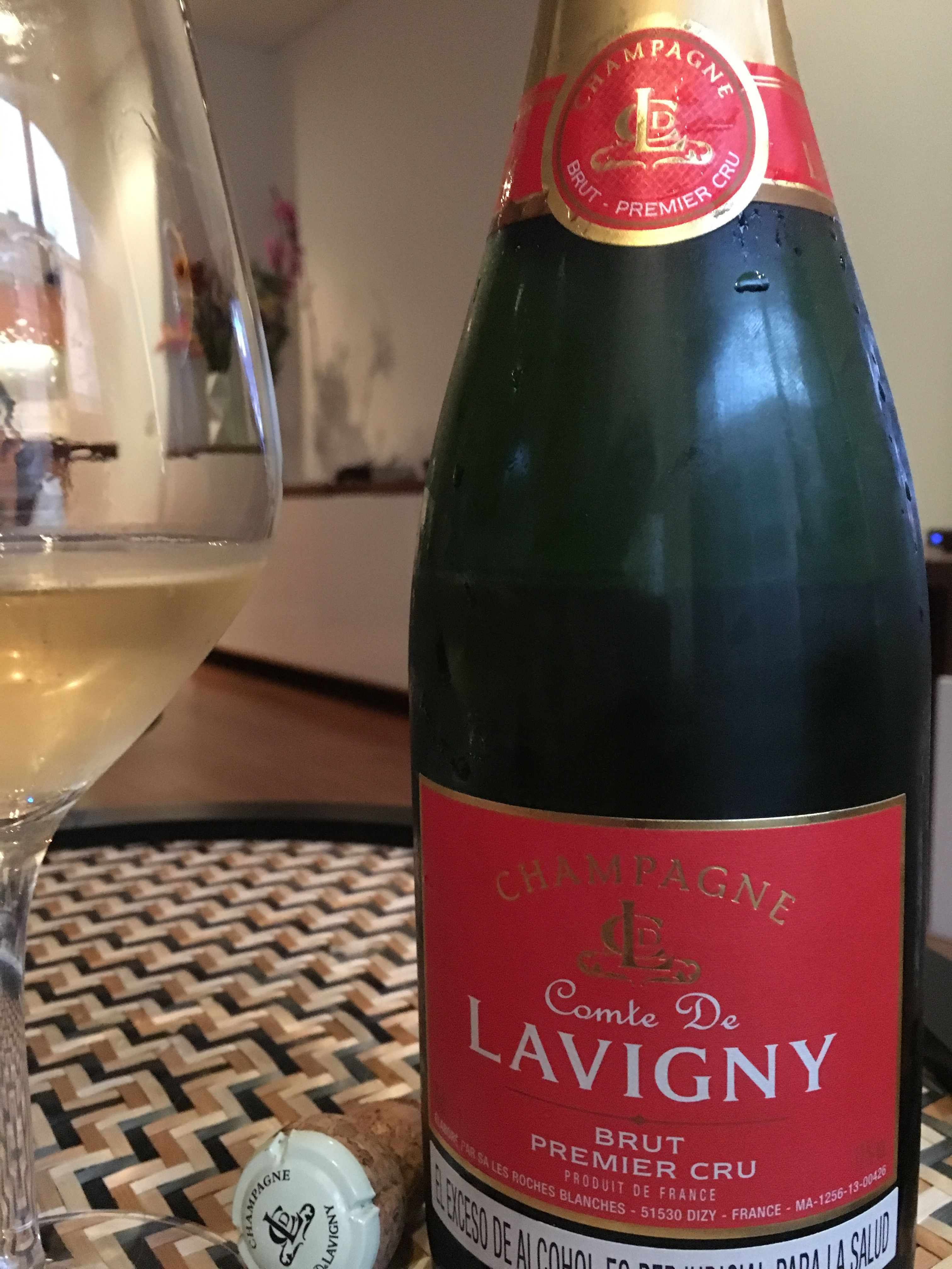 Comte De Lavigny Premier Cru Brut Maybe A Bit Short On The Palate But Considering Its Value This Champagne Is Worth The Buy Wine Bottle Wines Palate