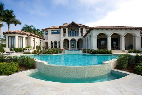 mansions & luxury homes.
