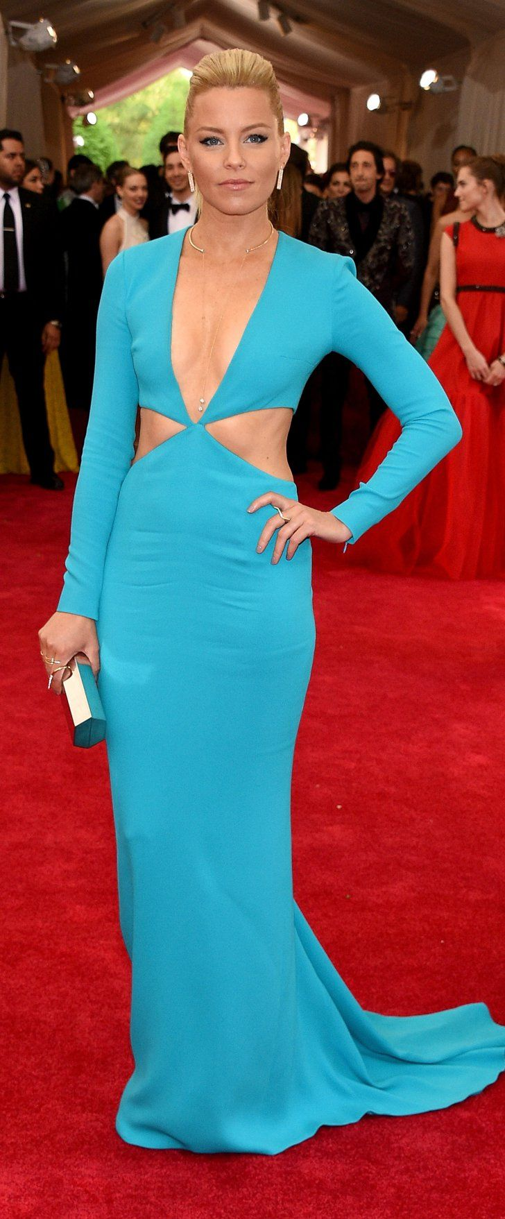 Pin for Later: Elizabeth Banks Just Had a Supersexy J Lo Moment at the Met Gala