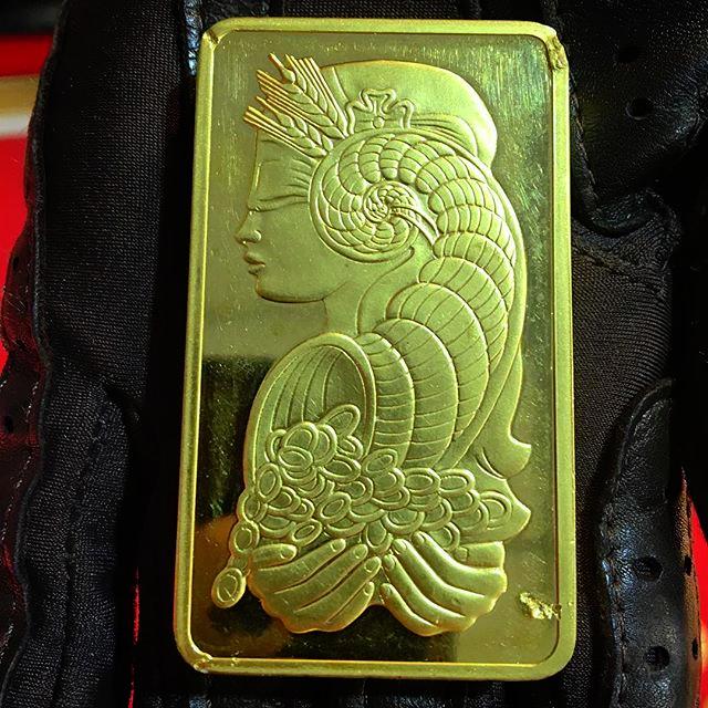Essayeur fondeur gold bar