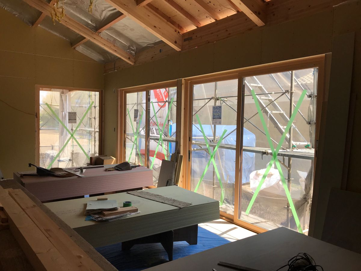 切妻屋根の平屋 Ykkapリビングサッシ 2020 リビング サッシ サッシ フィックス窓