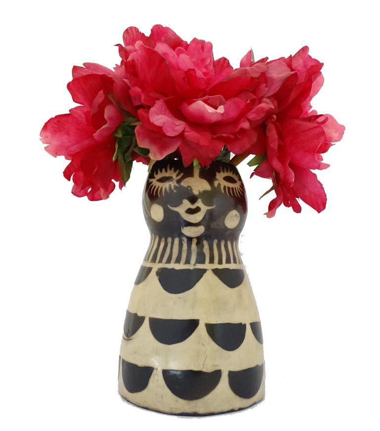 Beautiful Flower Vase With Traditional Lenca Drawings With The Shape