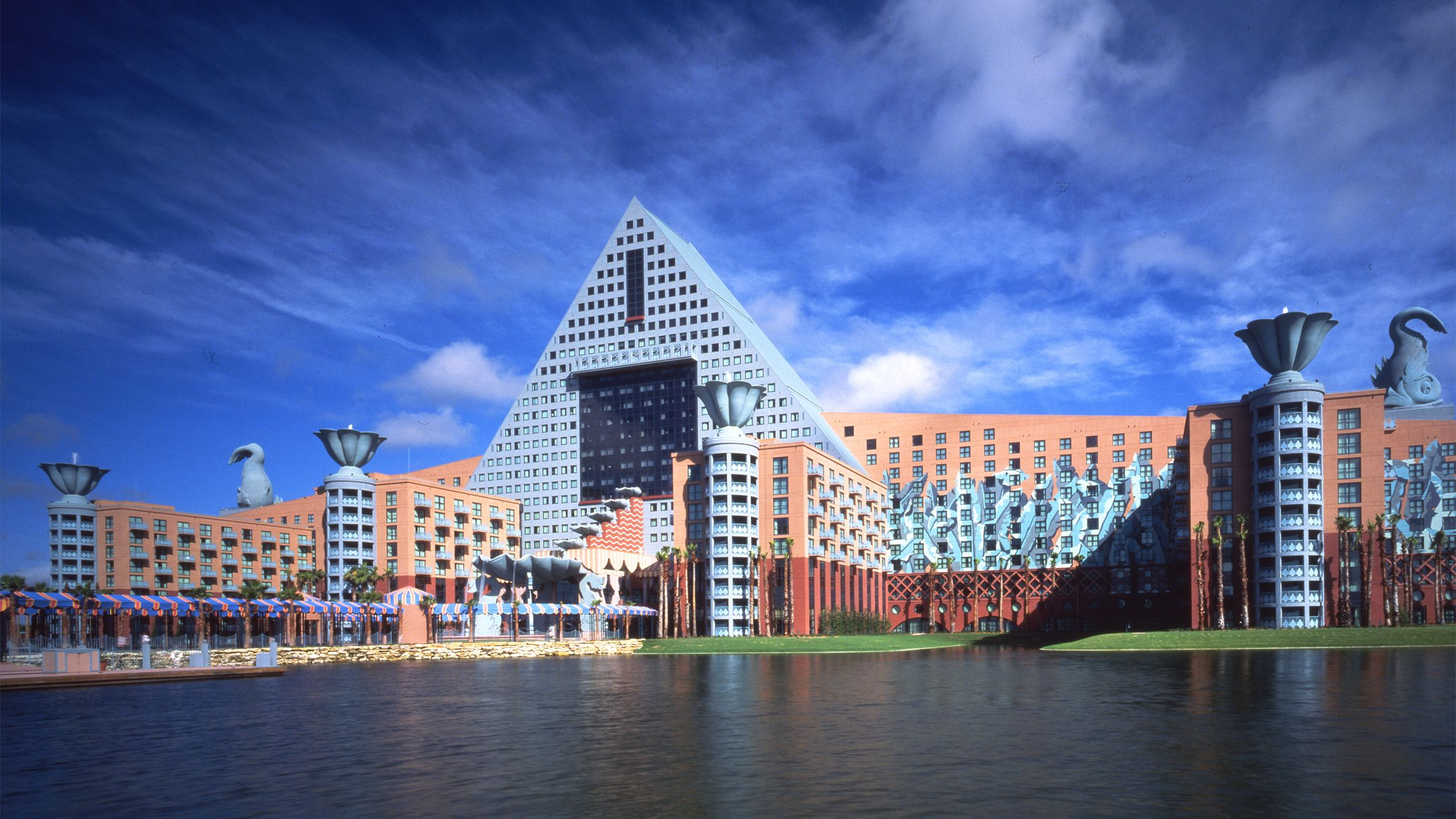 Postmodern Architecture Walt Disney World Dolphin And Swan Hotels By Michael Graves Architecture Via Dezeen Michael Graves Swan Hotel Postmodernism
