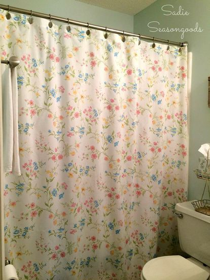 Most People Overlook These Thrift Store Bed Sheets But This Blogger Did Something Brilliant In Her Bathroom