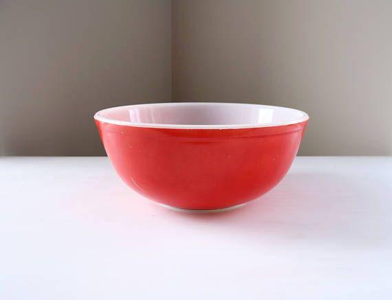 Vintage Pyrex mixing bowl #404 | Pyrex mixing bowls, Vintage pyrex ...