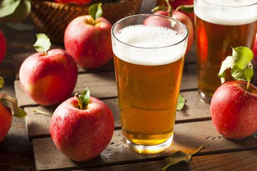 How To Make Hard Apple Cider In 5 Easy Steps The Grow Network Hard Apple Cider Making Apple Cider Making Hard Cider