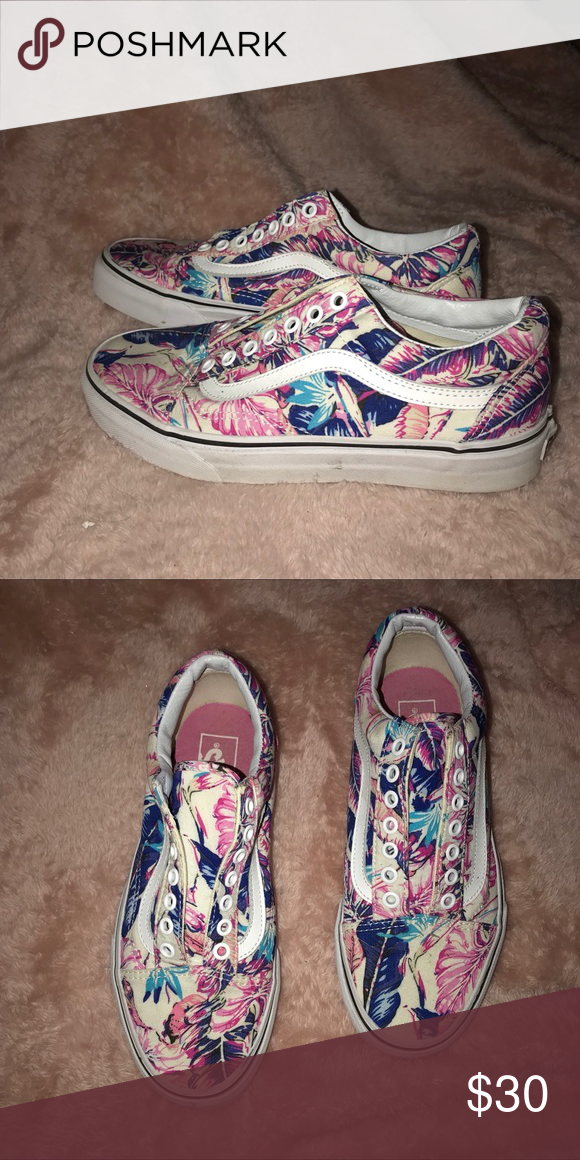 86b89148456fce VANS OLD SKOOLS Vans old skools size 9 women s and size 7 men s. Beautiful  floral print