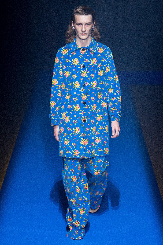 a3e414925af Gucci Spring 2018 Ready-to-Wear Fashion Show | runAway | Gucci ...