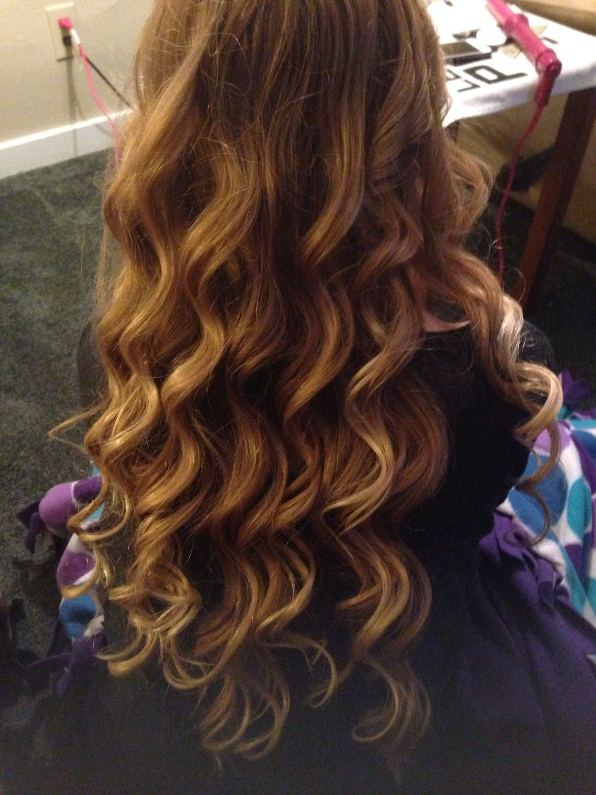 Loose wand curls | All dolled up | Wand curls, Wond curls ...  Loose wand curl...