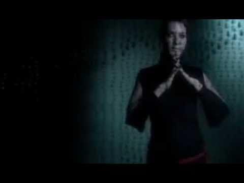 Ανδριάνα Μπάμπαλη - Δεν Είναι Αργά (Official Video Clip)
