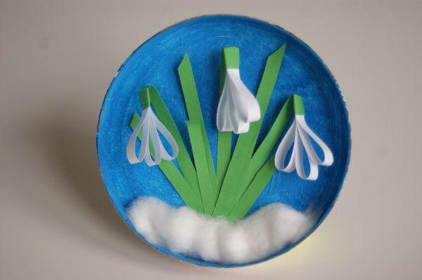 Przebiśniegi z paseczków papieru przestrzenna praca plastyczna dla dzieci  Snowdrops with strips of paper- craft for children