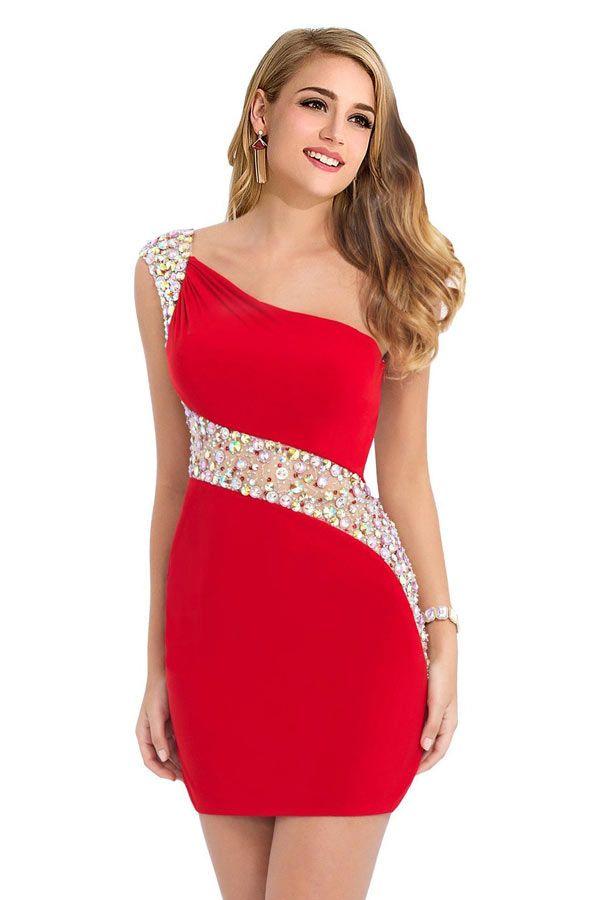 La robe rouge courte