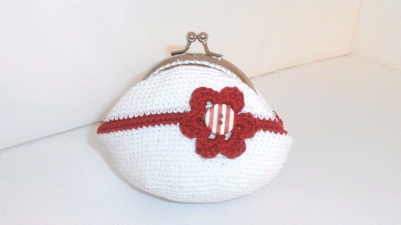 monedero vintage flor roji-blanca a crochet