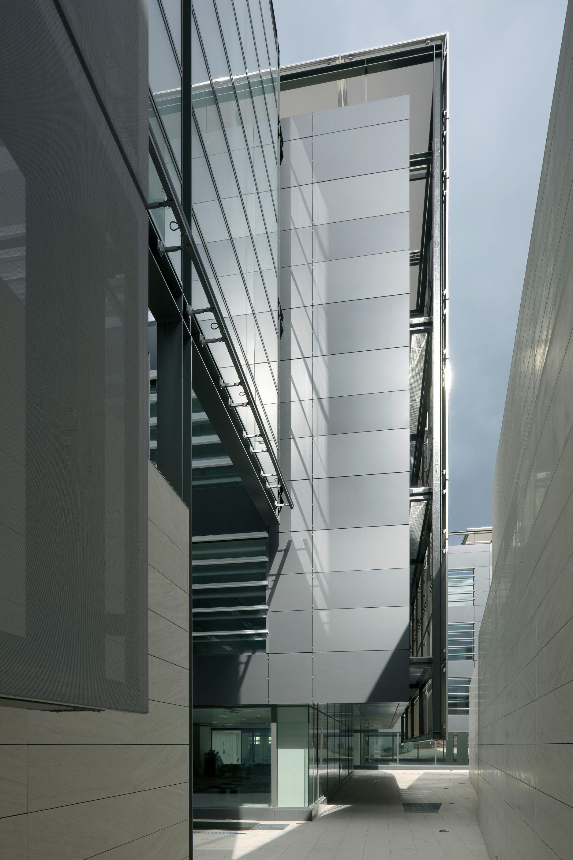 Tripark las rozas allende arquitectos madrid 2009 leed gold core shell office pinterest - Arquitectos madrid ...