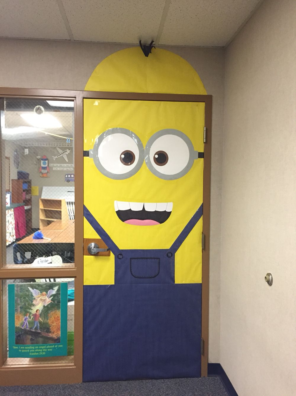 minion door decoration | Decoratingspecial.com