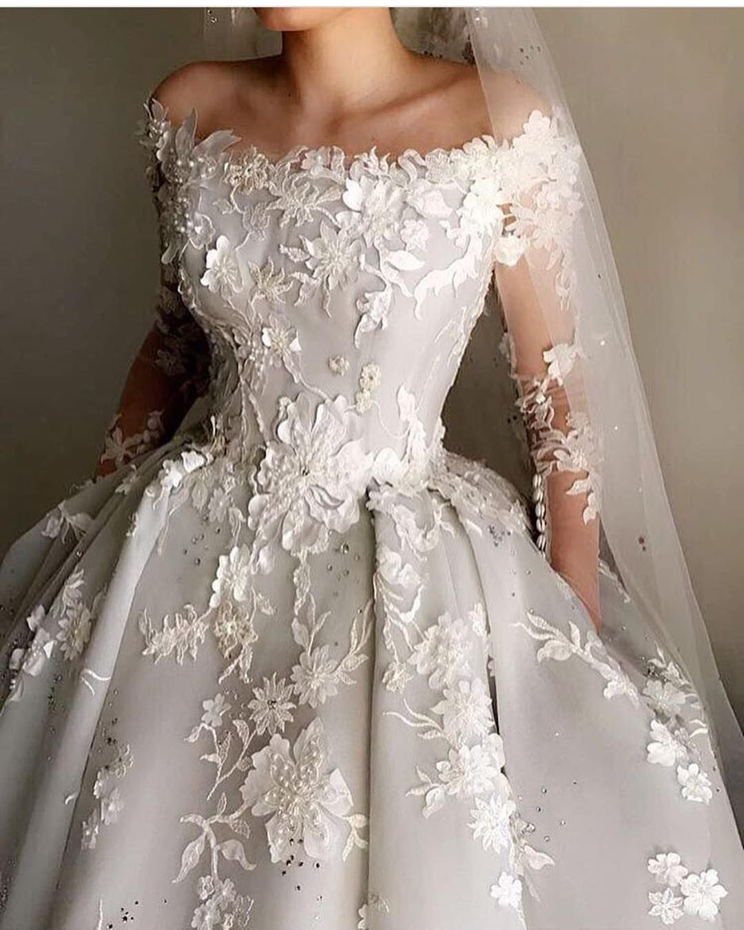 Make Your Own Wedding Dress: This Off The Shoulder Ball Gown Style Wedding Dress Can Be