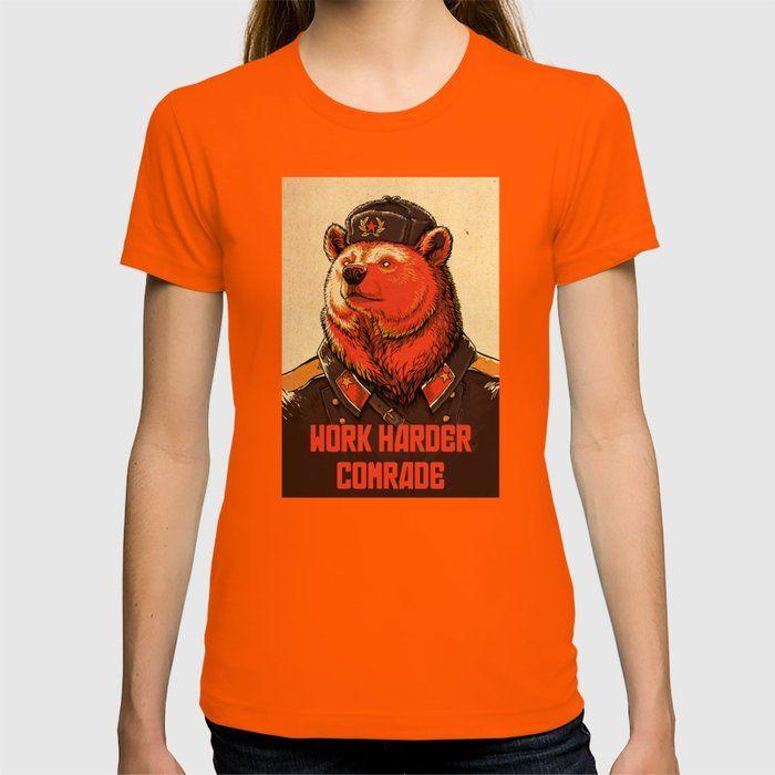 Photo of Arbeite härter, Kamerad! Grafisches T-Shirt von April Schumacher – Orange – MITTEL – Damen T-Shirt