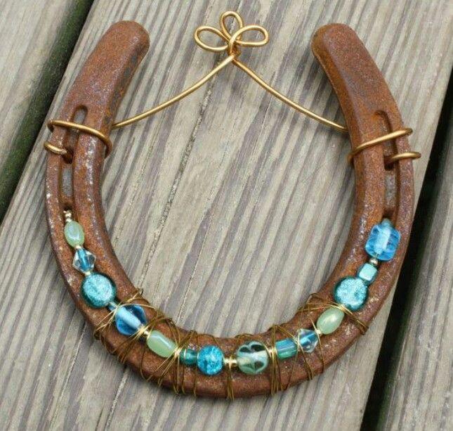 Beaded horseshoe horseshoe crafts pinterest hufeisen - Hufeisen basteln ...