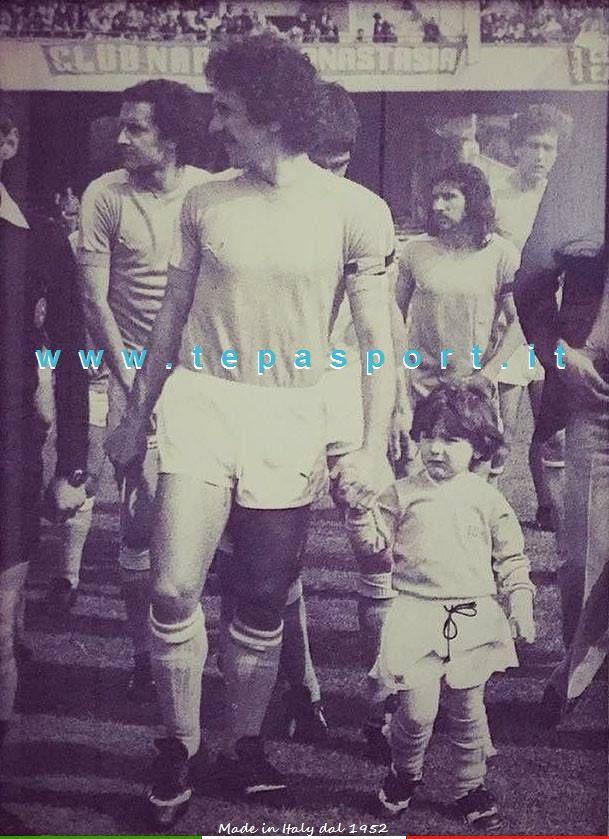 I mitici anni '70 +SSCNapoli Beppe Savoldi ... ⚽️ C'ero anch'io ... http://www.tepasport.it/  Made in Italy dal 1952