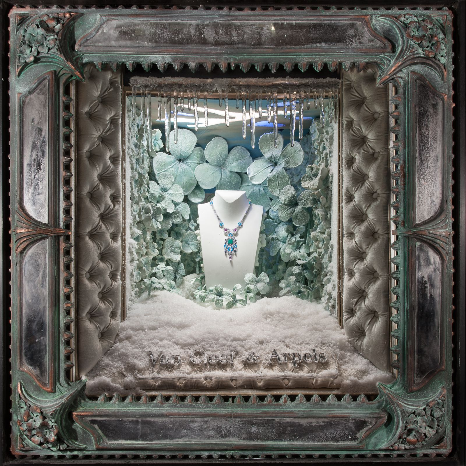 holiday season window displays 2012 by douglas little van