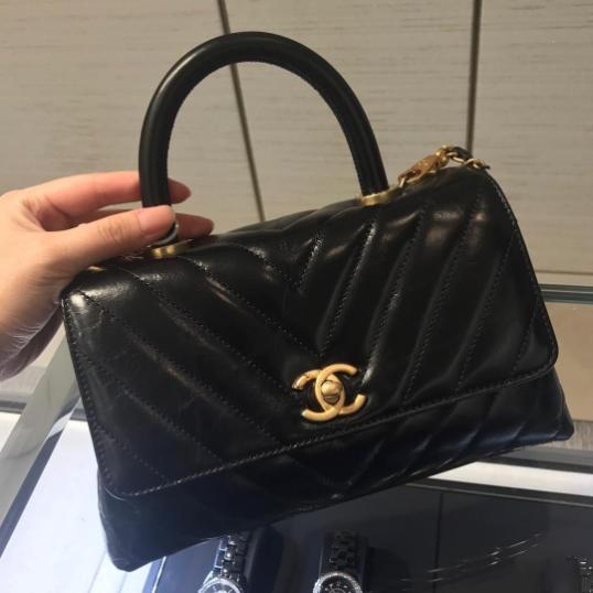 8c4147ff4cb5 Chanel Black Chevron Mini Coco Handle Bag