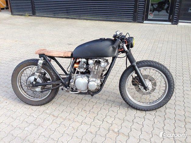 suzuki gs 550 cafe racer buscar con google motorcycle. Black Bedroom Furniture Sets. Home Design Ideas
