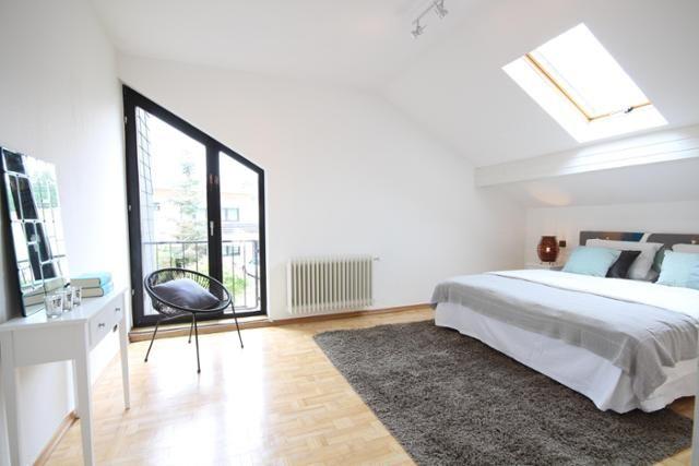Schlafzimmer Schminktisch ~ Schlafzimmer schminktisch mit spiegel dachfenster und dachgeschosse