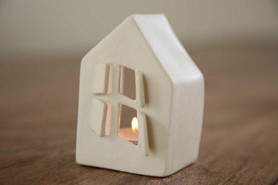 Ähnliche Artikel wie Keramik Kerzen Halter Liebe Häuser auf Etsy