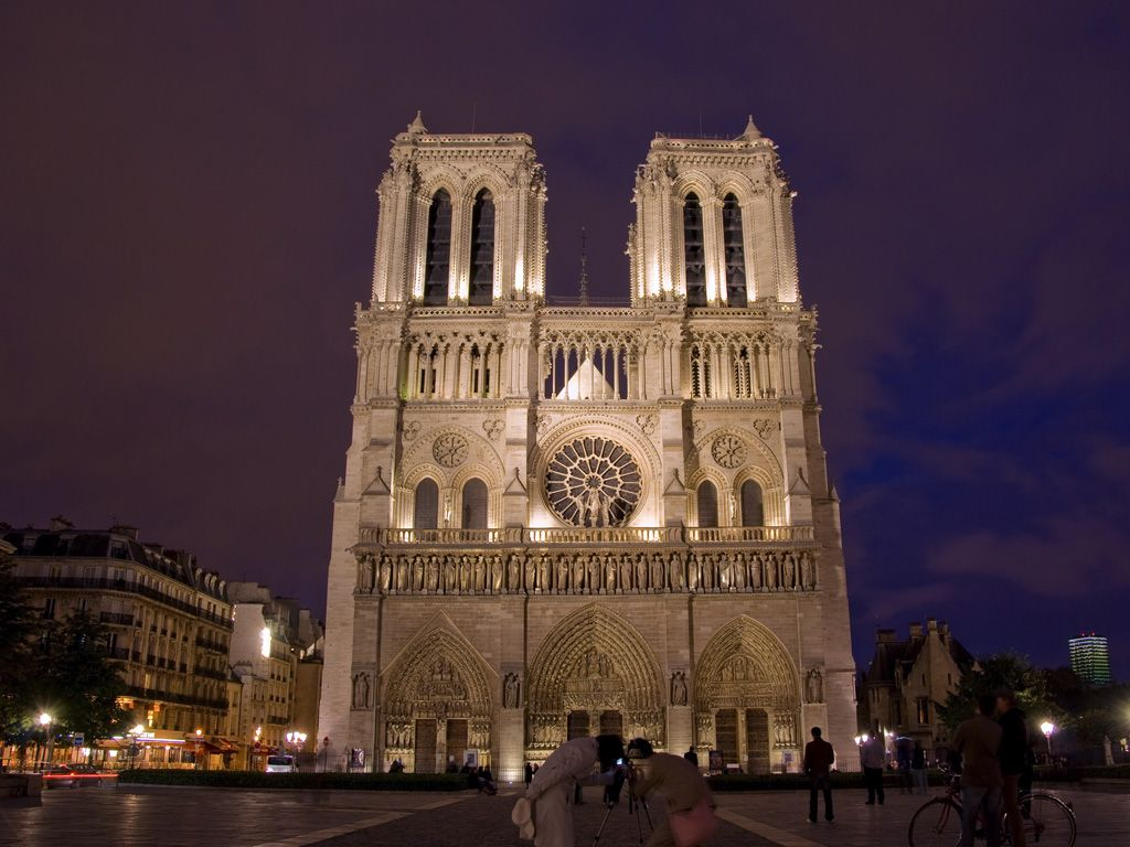 Paris' Notre Dame Cathedral -- a fine example of French Gothic architecture -- is a well-known tourist attraction. The city also has other hot sites with interesting architecture, including the Eiffel Tower, the Louvre Pyramid, La Grande Arche de la Defense, Centre Georges Pompidou...