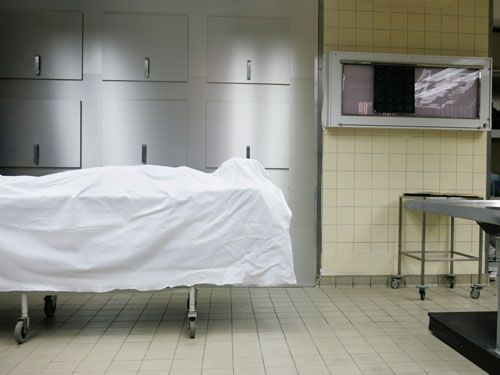 Working in a Morgue - Interview with a Mortuary Manager - Marie Claire